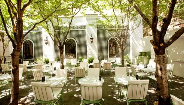 Notre top 15 des restaurants bars avec cour new york for Restaurant yvelines avec jardin