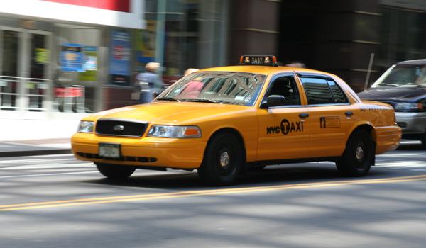 big sale da35f 4fe8e Pourquoi les taxis jaunes de New York sont... jaunes ...