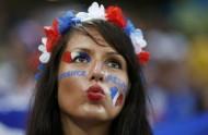 Supportrice-des-Bleus-Coupe-du-Monde-2014
