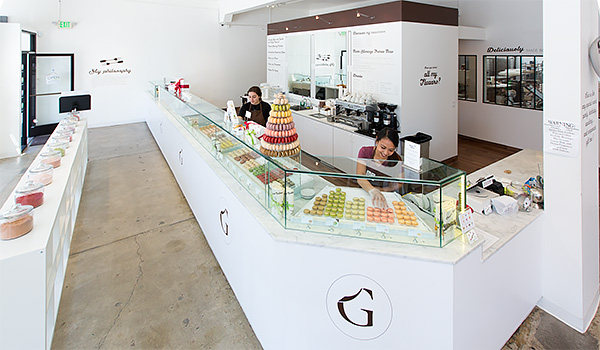 Chantal Guillon, dans sa boutique <a class='bp-suggestions-mention' href='https://frenchmorning.com/members/frederic/' rel='nofollow'><figcaption id=