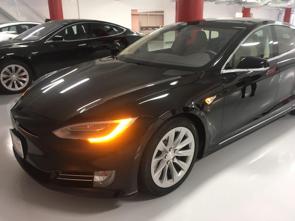 Le modèle S 70 de Tesla.(Crédit: Klervi Drouglazet)