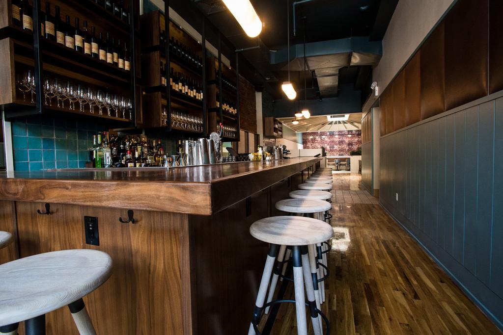 crown-heighst-restaurant-bkw-bar