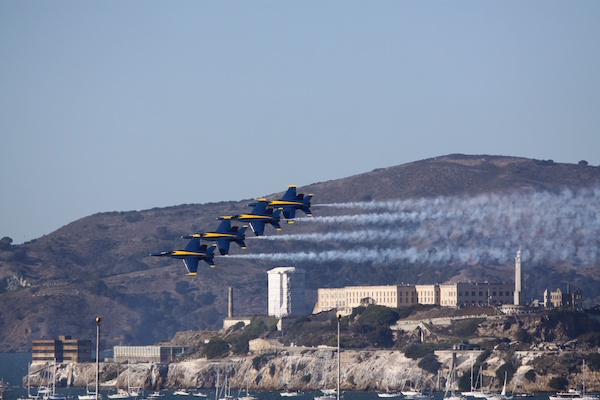 Les Blue Angels au dessus d'Alcatraz