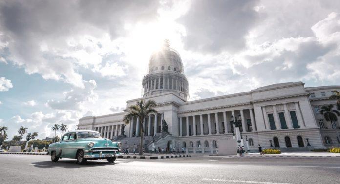 Carte Bancaire Cuba.Comment Voyager A Cuba Depuis Les Etats Unis French Morning