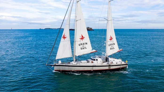 Le voilier-cargo breton de Grain de Sail arrive à New York (avec beaucoup  de vin) - French Morning US